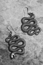 snake-earrings_1050x