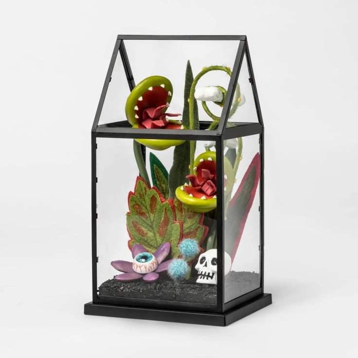 Creepy-Terrarium-Artifical-Halloween-Plant