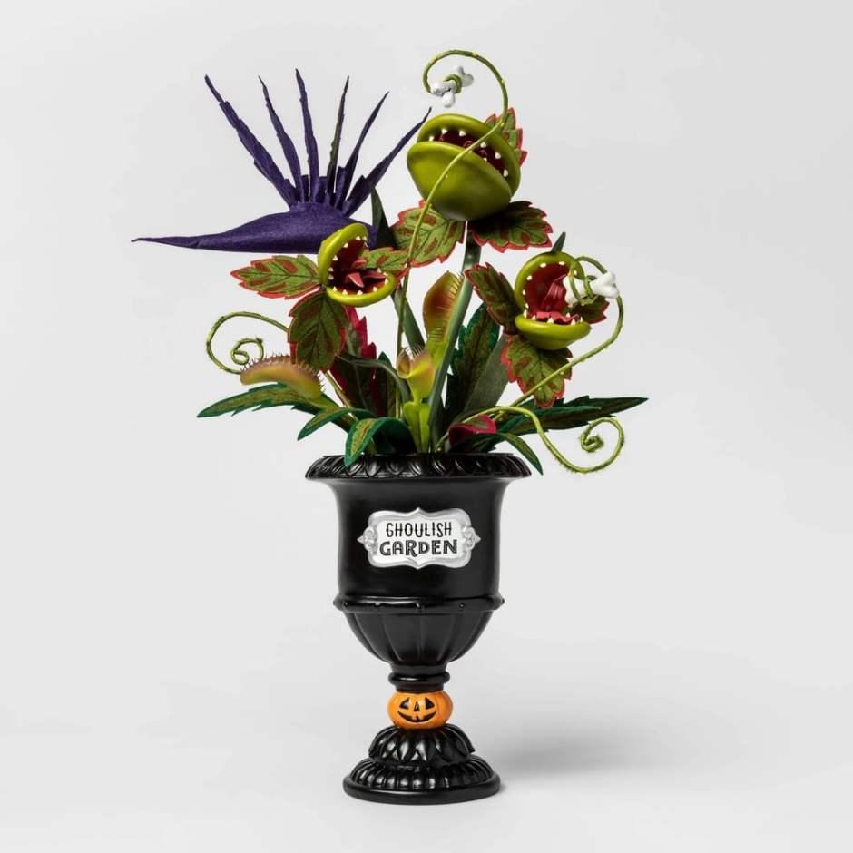 Ghoulish-Garden-Artifical-Halloween-Plant